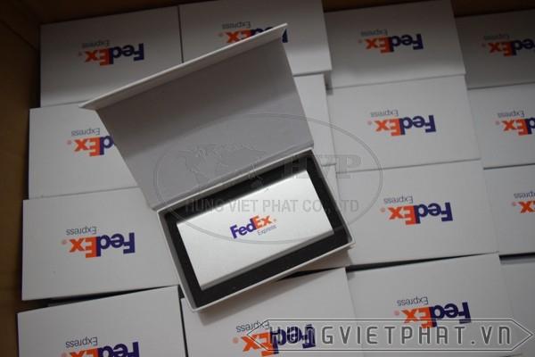 Fedex-aj22560aaf-3-1502870239.jpg