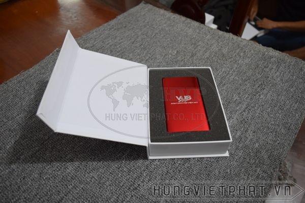 PKV-002---Pin-sac-du-phong-in-khac-logo-slogan-lam-qua-tang-quang-cao-doanh-nghiep--11-1497496489.jpg
