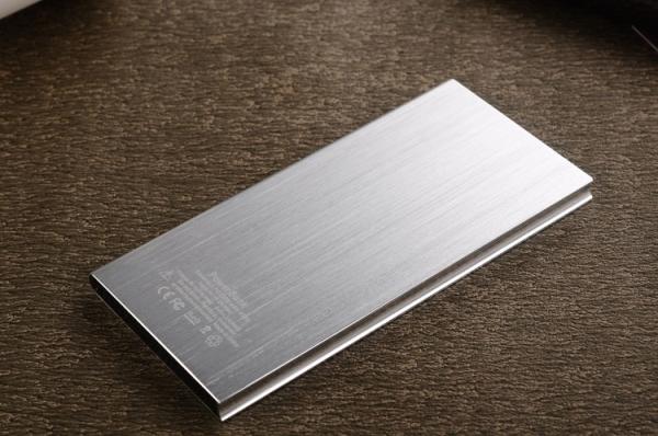 PDV-003-Pin-Sac-du-phong-qua-tang-in-khac-logo2-1457583150.jpg