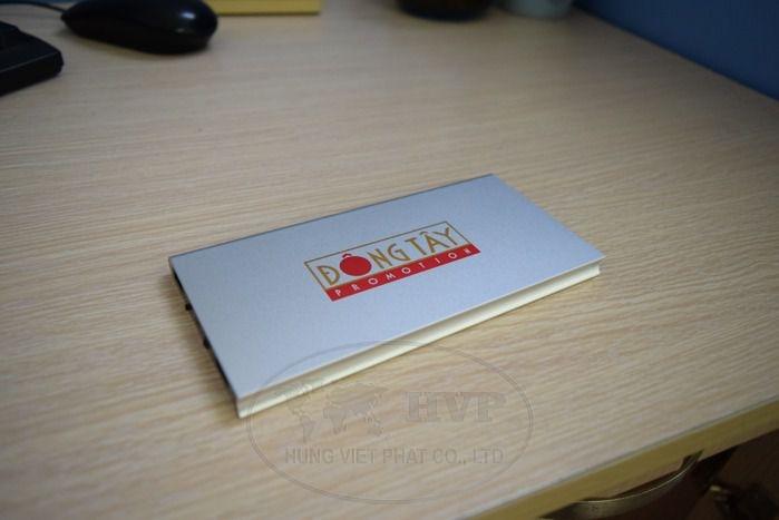 PKV-003-qua-tang-pin-sac-in-logo-dong-tay--2-1529120879.jpg